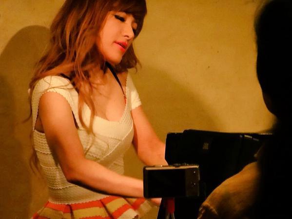 【おっぱい】Eカップの巨乳の持ち主でもあるピアニスト・高木里代子さんのおっぱい画像がエロすぎる!【30枚】 28