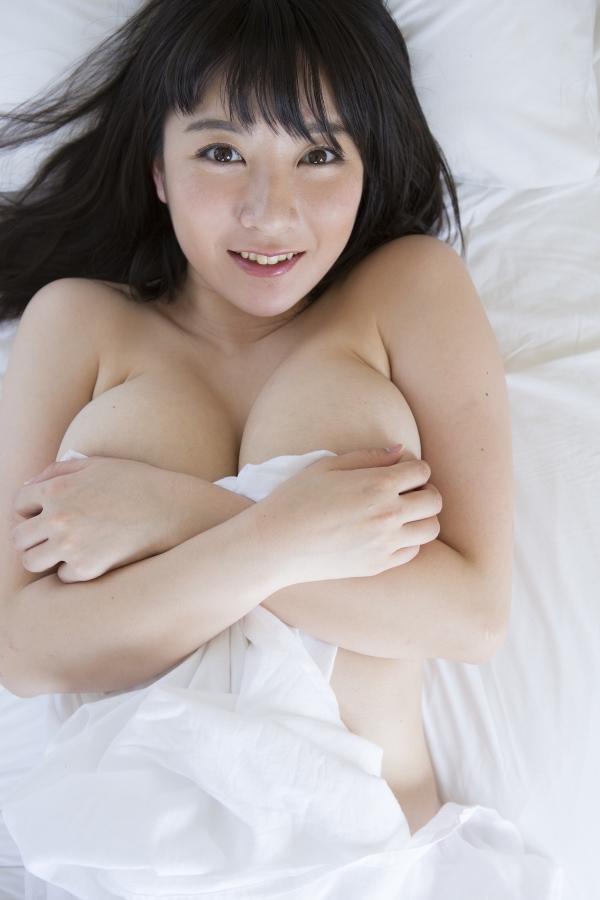 【おっぱい】肉つきが良く健康的!Fカップの巨乳ちゃん!紺野栞ちゃんのおっぱい画像がエロすぎる!【30枚】 18