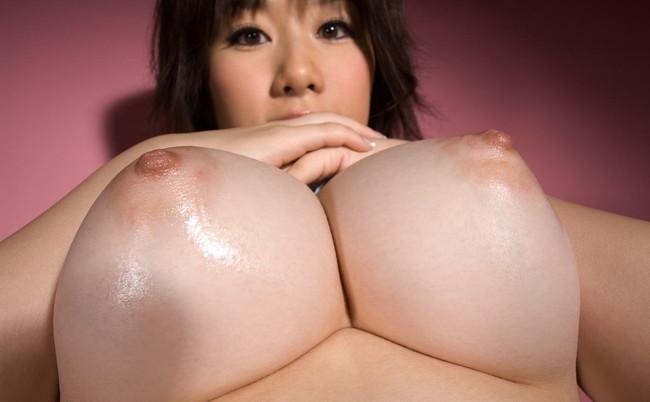 【おっぱい】おっぱいも大きいけど乳輪も大きい!巨乳輪な女の子のおっぱい画像がエロすぎる!【30枚】 21