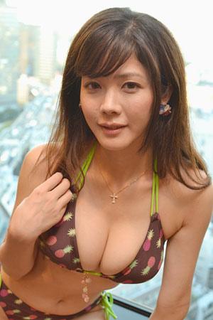 【おっぱい】プロ雀士としてもグラビアアイドルとしても大活躍な高宮まりさんのおっぱい画像がエロすぎる!【30枚】 23
