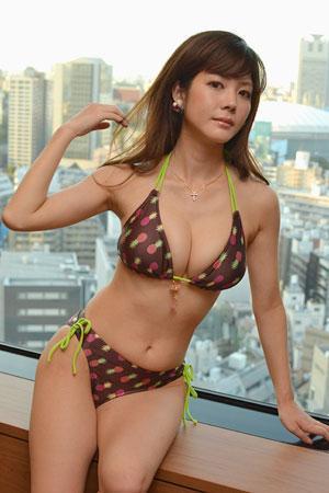 【おっぱい】プロ雀士としてもグラビアアイドルとしても大活躍な高宮まりさんのおっぱい画像がエロすぎる!【30枚】 27