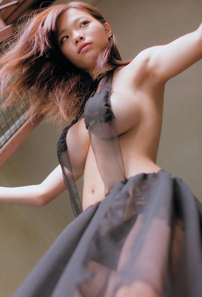 【おっぱい】Iカップを武器にグラビアアイドルをしていた鷹羽澪ちゃんのおっぱい画像がエロすぎる!【30枚】 15
