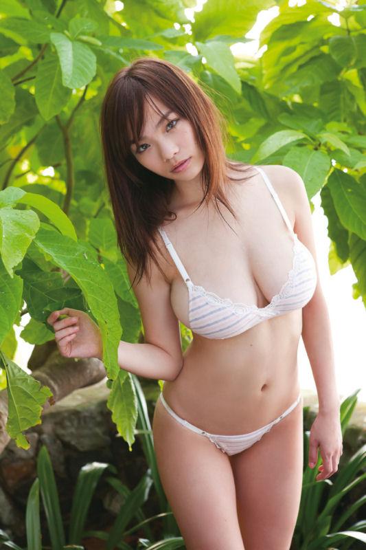 【おっぱい】Iカップを武器にグラビアアイドルをしていた鷹羽澪ちゃんのおっぱい画像がエロすぎる!【30枚】 23