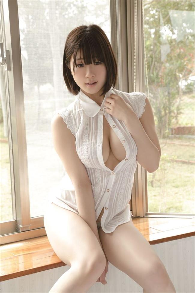 【おっぱい】Hカップの爆乳グラビアアイドルで歌手の水月桃子ちゃんのおっぱい画像がエロすぎる!【30枚】 19