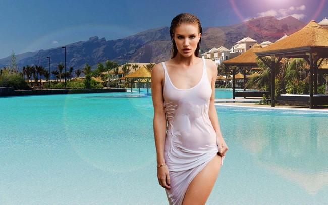 【おっぱい】ファッションモデルのロージー・ハンティントン=ホワイトリーさんのおっぱい画像がエロすぎる!【30枚】 06
