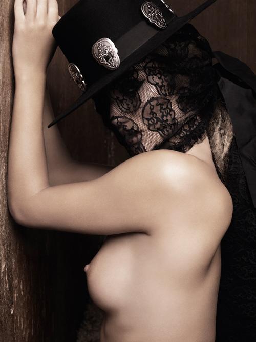 【おっぱい】ファッションモデルのロージー・ハンティントン=ホワイトリーさんのおっぱい画像がエロすぎる!【30枚】 09