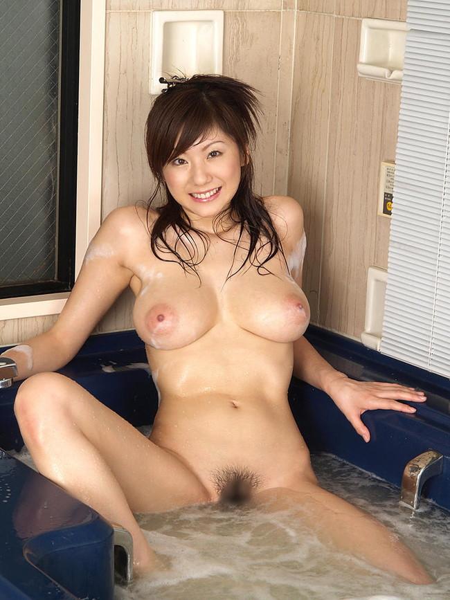 【おっぱい】お風呂に入浴してリラックスしようとしている女の子のおっぱい画像がエロすぎる!【30枚】 10