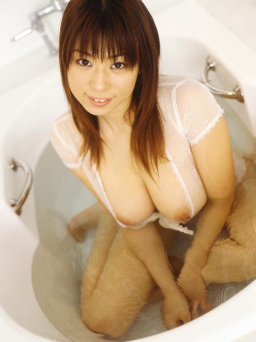 【おっぱい】お風呂に入浴してリラックスしようとしている女の子のおっぱい画像がエロすぎる!【30枚】 20