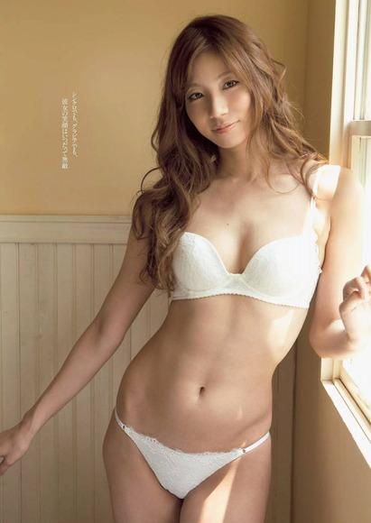 【おっぱい】元シンクロ選手でテレビやグラビアで大活躍の青木愛さんの画像がエロすぎる!【30枚】 30