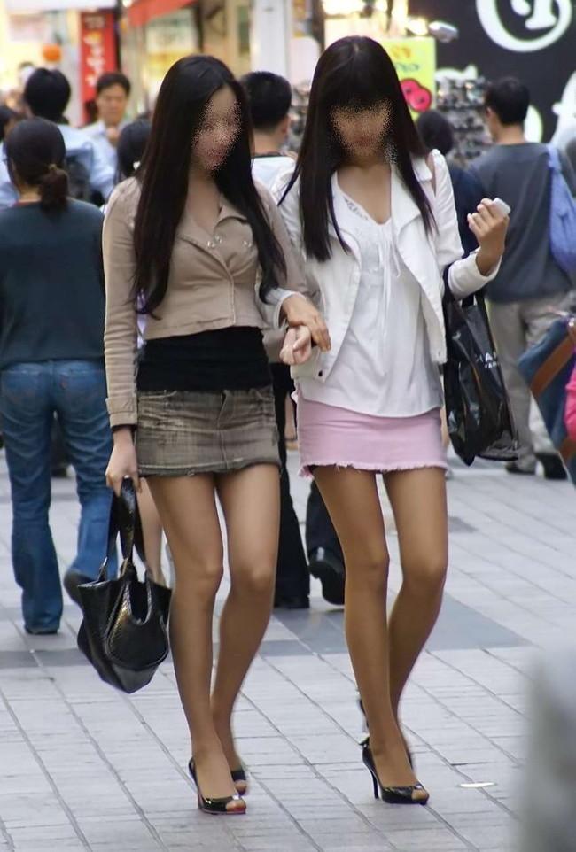 【おっぱい】デニムスカートがはだけてエッチな格好になっちゃっている女の子のおっぱい画像がエロすぎる!【30枚】 21