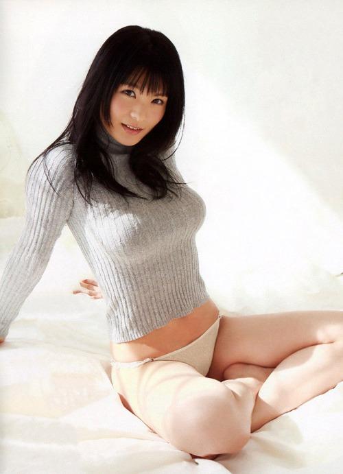 【おっぱい】スカウトされて有名になったHカップグラビアアイドルの星名美津紀ちゃんのおっぱい画像がエロすぎる!【30枚】 28