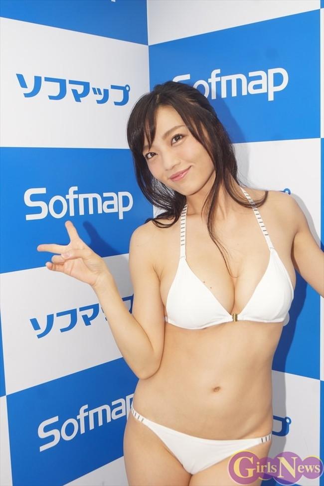 【おっぱい】Fカップの巨乳グラビアアイドルの平塚奈菜ちゃんのおっぱい画像がエロすぎる!【30枚】 05