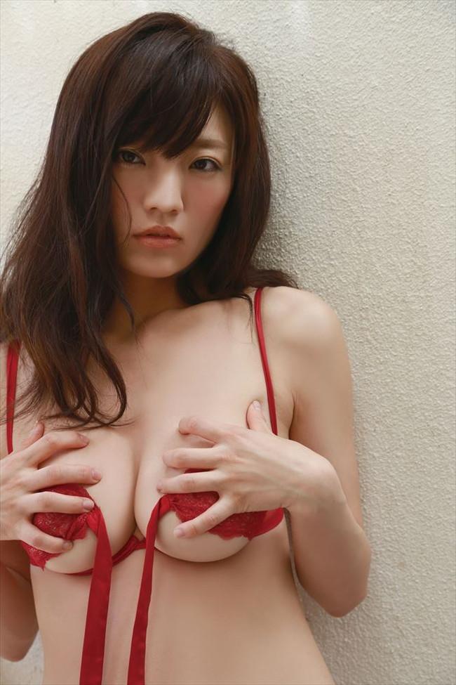 【おっぱい】Fカップの巨乳グラビアアイドルの平塚奈菜ちゃんのおっぱい画像がエロすぎる!【30枚】 10