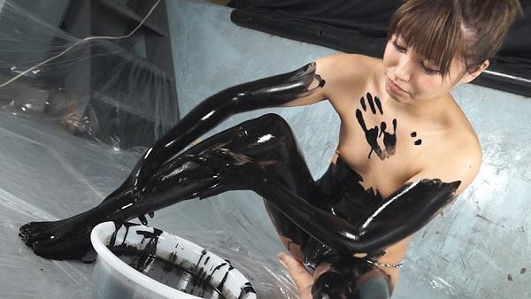 【おっぱい】手袋を装着したままエッチなことをしちゃっている女の子のおっぱい画像がエロすぎる!【30枚】 07