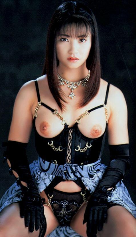 【おっぱい】今見ても美しくエロい伝説的AV女優の小室友里さんのおっぱい画像がエロすぎる!【30枚】 12