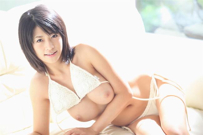 【おっぱい】元芸能人シリーズで一世風靡した大人気女優の範田紗々ちゃんのおっぱい画像がエロすぎる!【30枚】 26