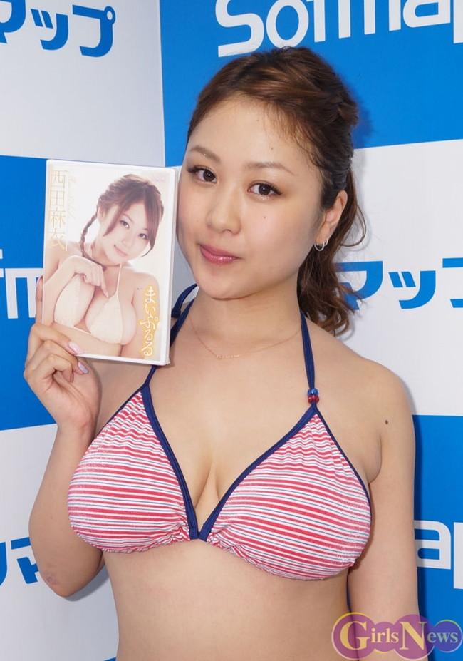 【おっぱい】Iカップ巨乳のグラビアアイドル・西田麻衣ちゃんのおっぱい画像がエロすぎる!【30枚】 10