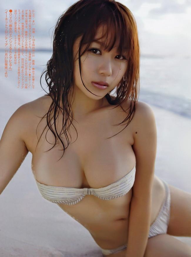 【おっぱい】Iカップ巨乳のグラビアアイドル・西田麻衣ちゃんのおっぱい画像がエロすぎる!【30枚】 11