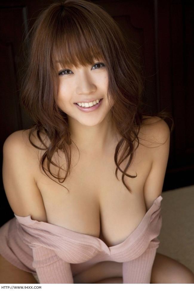 【おっぱい】Iカップ巨乳のグラビアアイドル・西田麻衣ちゃんのおっぱい画像がエロすぎる!【30枚】 26