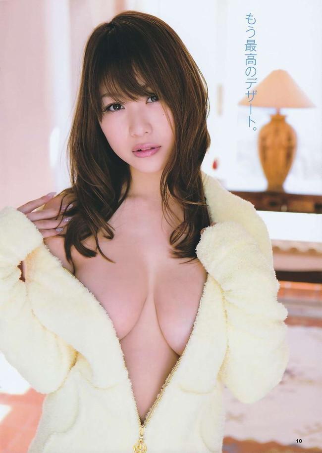 【おっぱい】Iカップ巨乳のグラビアアイドル・西田麻衣ちゃんのおっぱい画像がエロすぎる!【30枚】 29