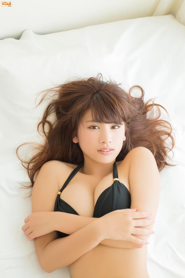 【おっぱい】生まれるべくして生まれた天性のグラビアアイドルの久松郁実ちゃんの画像がエロすぎる!【30枚】 05