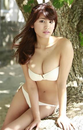 【おっぱい】生まれるべくして生まれた天性のグラビアアイドルの久松郁実ちゃんの画像がエロすぎる!【30枚】 30