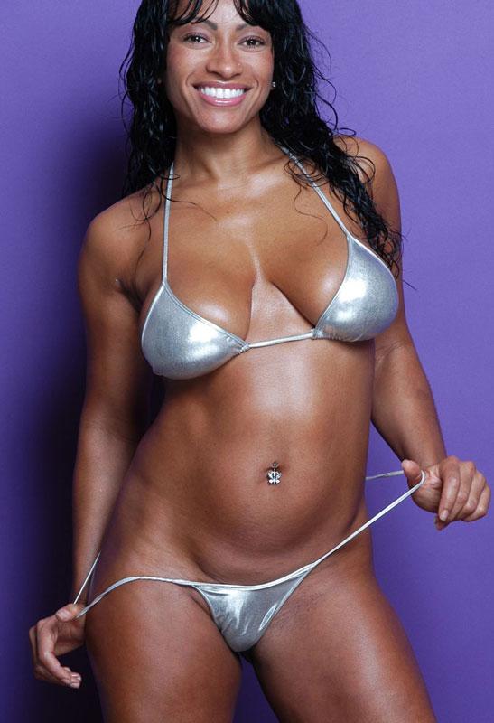 【おっぱい】エキゾチックでグラマラスな黒人の外国人の女性のおっぱい画像がエロすぎる!【30枚】 21