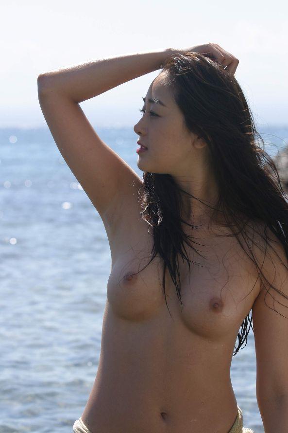 【おっぱい】モデルのような裸が綺麗な韓国美女たちのおっぱい画像がエロすぎる!【30枚】 24