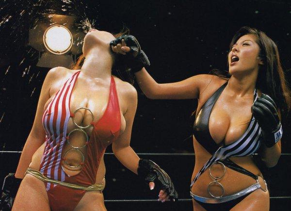 【おっぱい】女なんて関係ない!キャットファイトで熱く戦い続ける女たちのおっぱい画像がエロすぎる!【30枚】 25