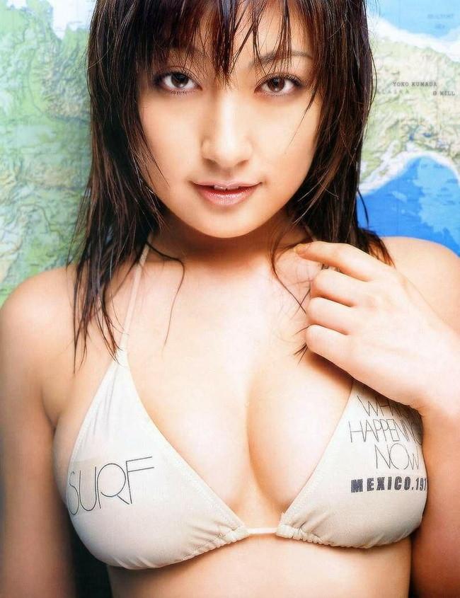 【おっぱい】グラビアアイドルとして一世風靡した熊田曜子さんのおっぱい画像がエロすぎる!【30枚】 18