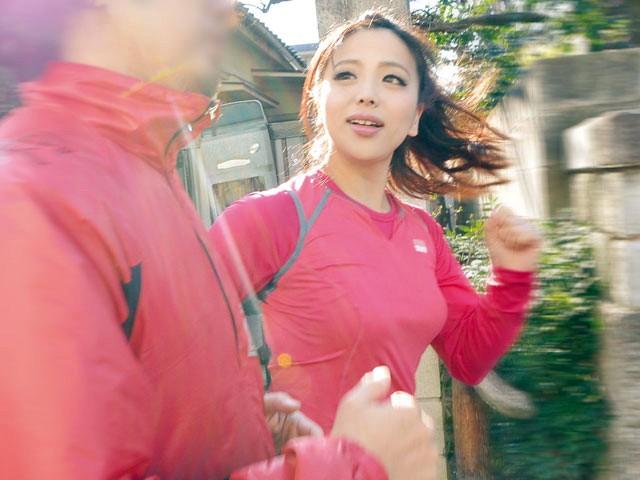 【おっぱい】ジョギングをしているつもりがセックスに夢中になってしまう女性のおっぱい画像がエロすぎる!【30枚】 28