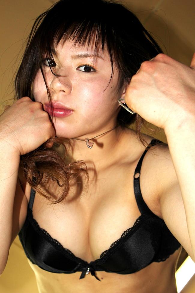 【おっぱい】マッスルボディが堪らない!美人格闘家・中井りんさんのおっぱい画像がエロすぎる!【30枚】