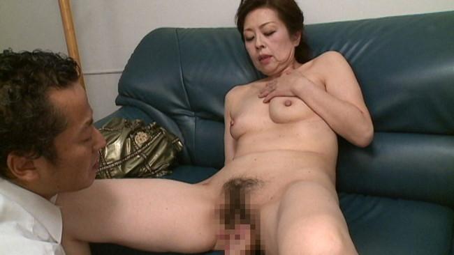 【おっぱい】お婆ちゃんになろうともセックスはまだバリバリ現役!超熟女な女性のおっぱい画像がエロすぎる!【30枚】 23