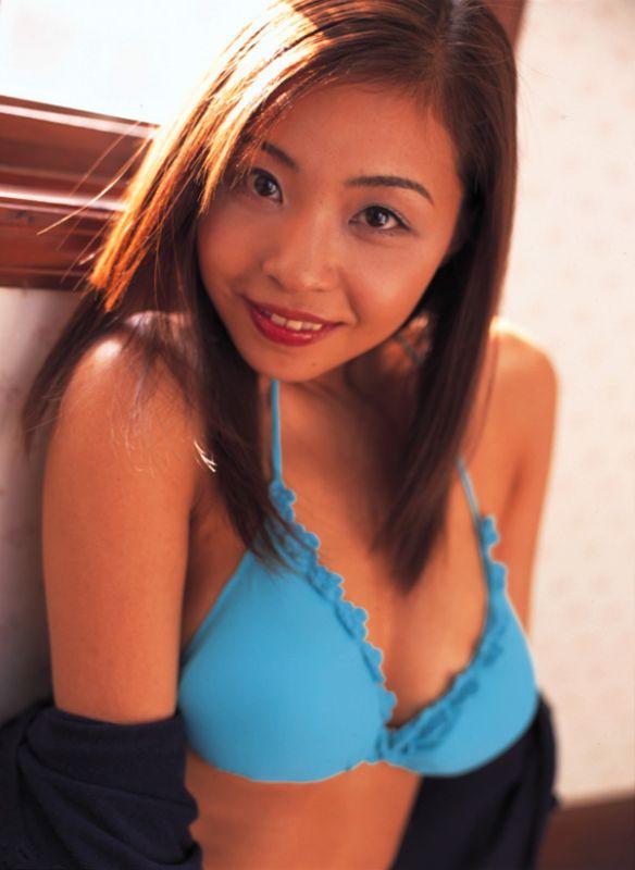 【おっぱい】M字開脚で大胆デビューしたインリン・オブ・ジョイトイのセクシー画像がエロすぎる!【30枚】 24