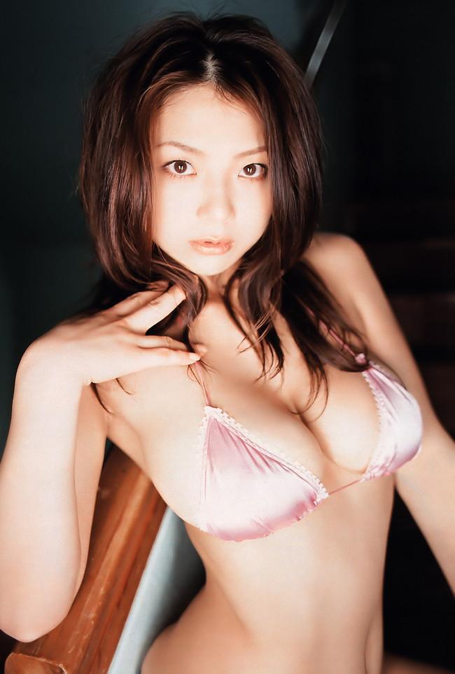 【おっぱい】Iカップで大人気だった爆乳グラビアアイドル・相澤仁美さんのおっぱい画像がエロすぎる!【30枚】 04