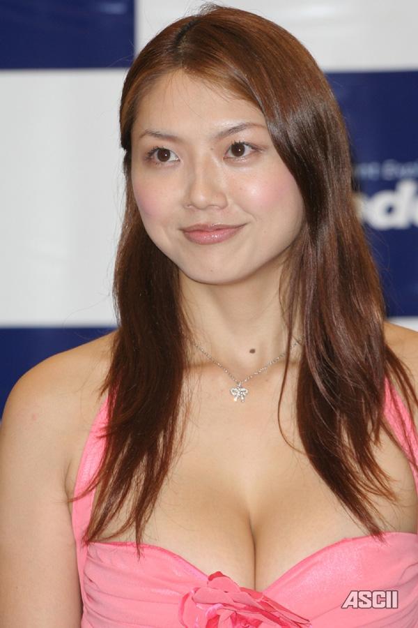【おっぱい】Iカップで大人気だった爆乳グラビアアイドル・相澤仁美さんのおっぱい画像がエロすぎる!【30枚】 09