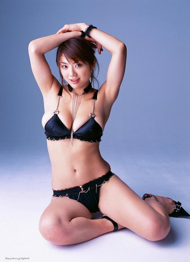 【おっぱい】Iカップで大人気だった爆乳グラビアアイドル・相澤仁美さんのおっぱい画像がエロすぎる!【30枚】 11