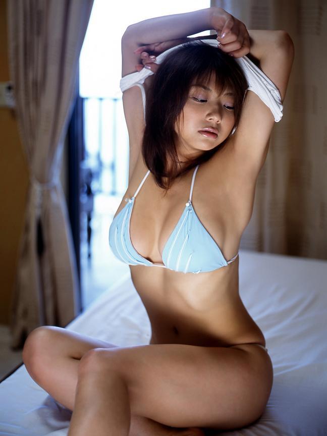 【おっぱい】Iカップで大人気だった爆乳グラビアアイドル・相澤仁美さんのおっぱい画像がエロすぎる!【30枚】 28