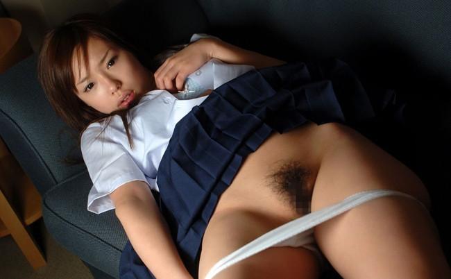 【おっぱい】パンティーを脱ぐ仕草がたまらなくエロくなっている女の子のおっぱい画像がエロすぎる!【30枚】 25
