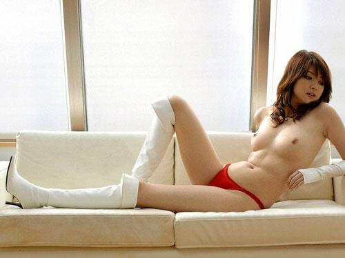 【おっぱい】裸同然!エッチな姿でブーツを履いている女の子のおっぱい画像がエロすぎる!【30枚】 30