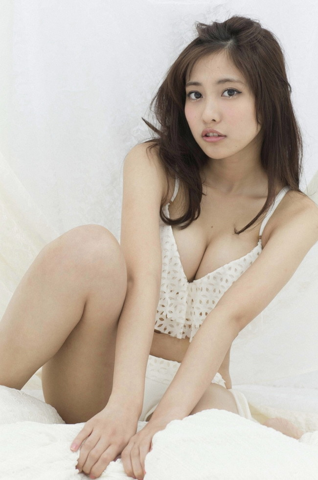 【おっぱい】グラビアアイドルとしても女優としても大活躍な佐野ひなこちゃんのおっぱい画像がエロすぎる!【30枚】 05