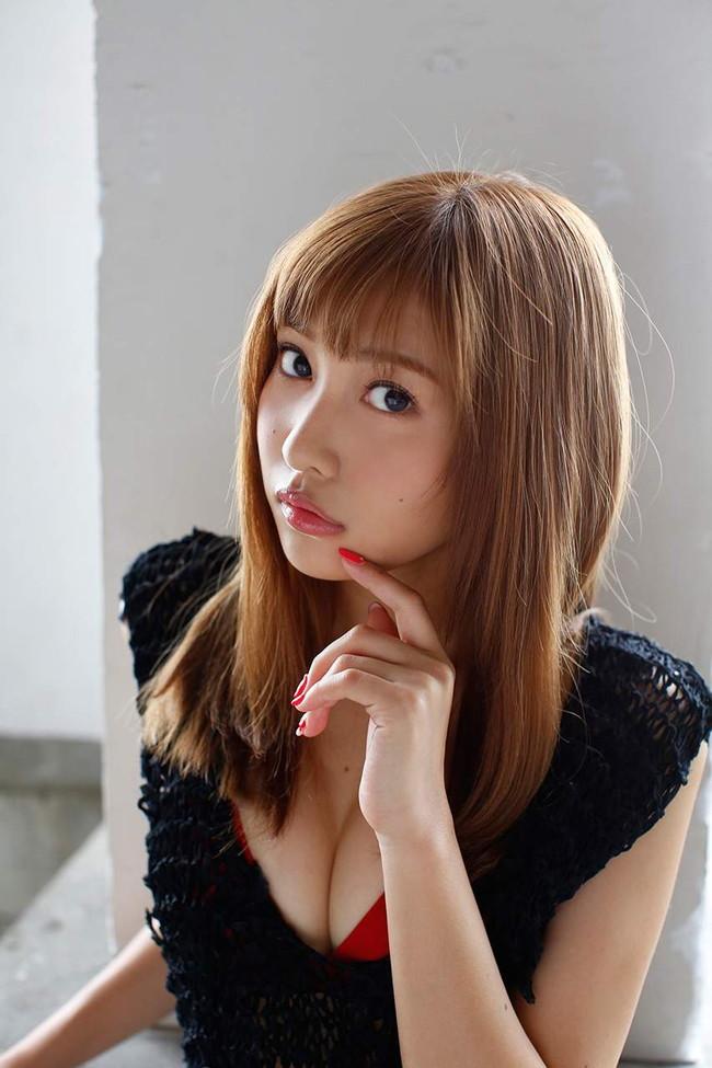 【おっぱい】グラビアアイドルとしても女優としても大活躍な佐野ひなこちゃんのおっぱい画像がエロすぎる!【30枚】 22