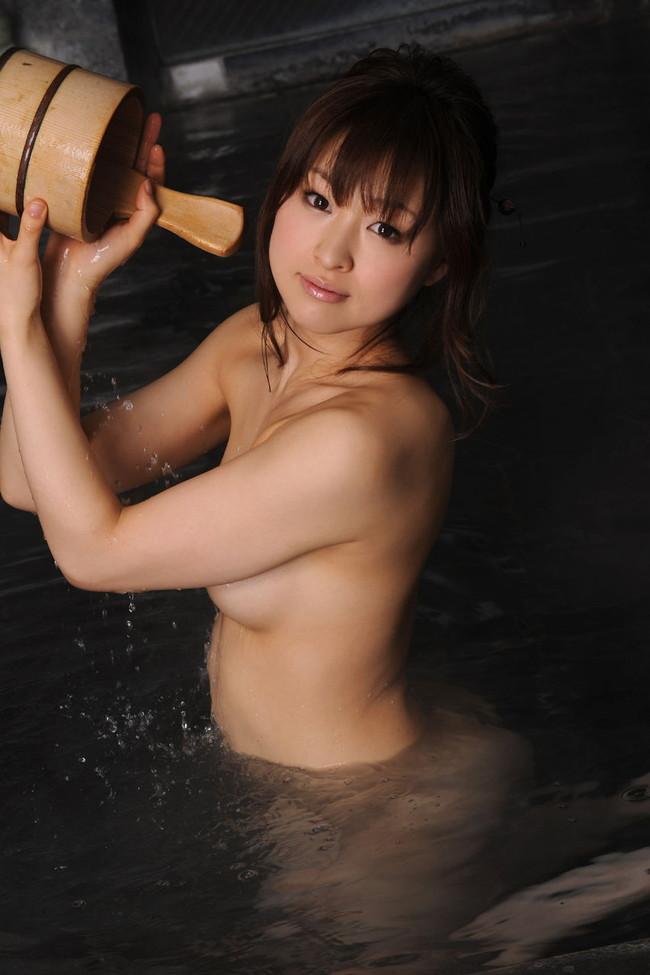 【おっぱい】数多くの作品に出演している大人気女優の周防ゆきこちゃんのおっぱい画像がエロすぎる!【30枚】 21