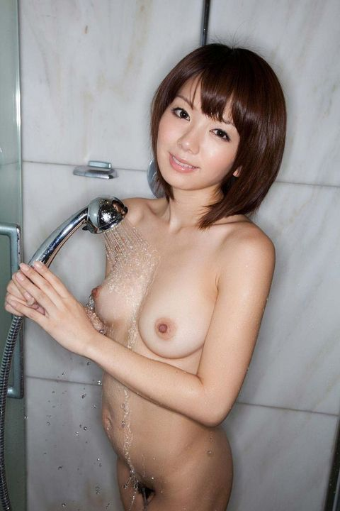 【おっぱい】シャワーを浴びている姿がものすごくエロい女の子のおっぱい画像がエロすぎる!【30枚】 24