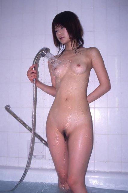 【おっぱい】シャワーを浴びている姿がものすごくエロい女の子のおっぱい画像がエロすぎる!【30枚】 28