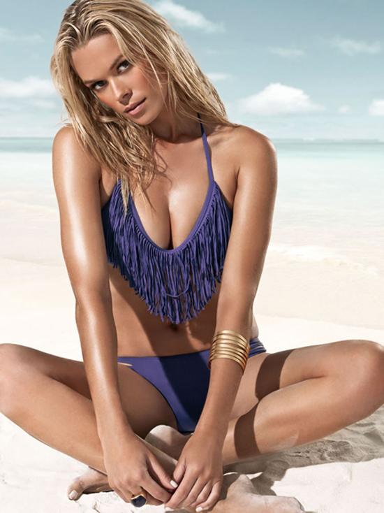 【おっぱい】水着姿でグラマラスボディをバッチリ決めている外国人女性のおっぱい画像がエロすぎる!【30枚】 06