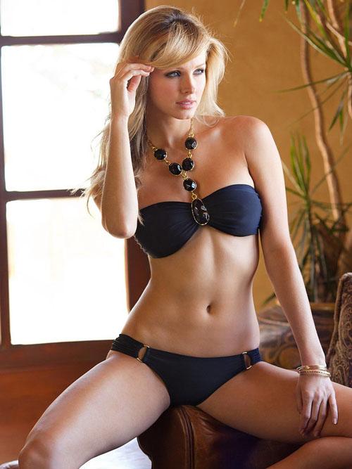 【おっぱい】水着姿でグラマラスボディをバッチリ決めている外国人女性のおっぱい画像がエロすぎる!【30枚】 15