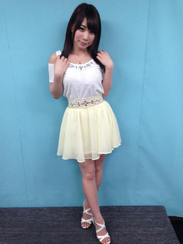 【おっぱい】綺麗で色白!綺麗なおっぱいの持ち主の長谷川るいちゃんのおっぱい画像がエロすぎる!【30枚】 30