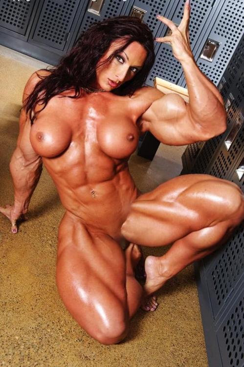 【おっぱい】マッスルボディを手に入れて筋肉隆々なボディビルダーな女性のおっぱい画像がエロすぎる!【30枚】 19