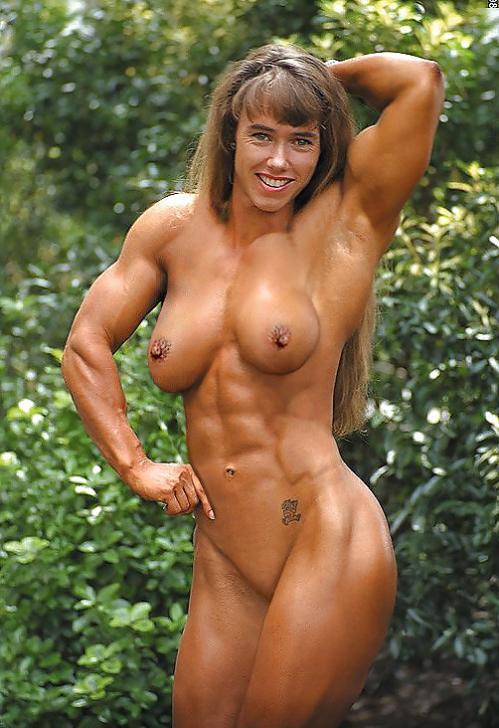 【おっぱい】マッスルボディを手に入れて筋肉隆々なボディビルダーな女性のおっぱい画像がエロすぎる!【30枚】 22